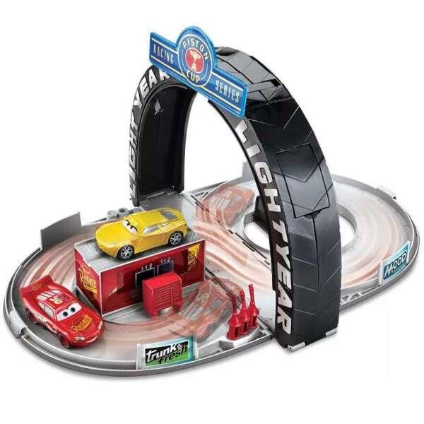 Игровой набор Тачки Mattel FBG43