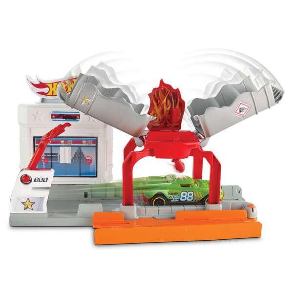 """Игровой набор """"Взрывная трасса"""" Hot Wheels DWL01"""