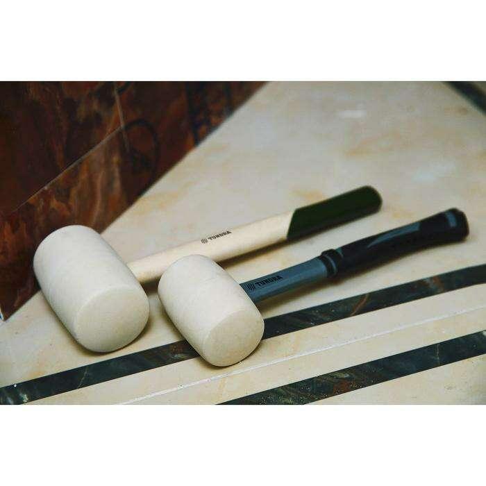 Киянка TUNDRA basic, 750 г, деревянная рукоятка, белая резина