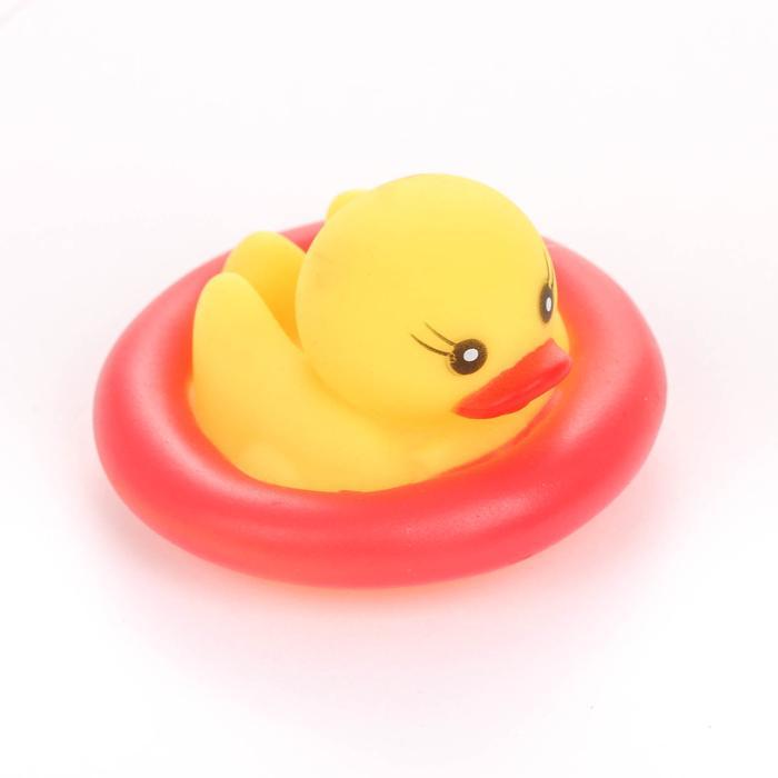 Игрушка для ванны «Утка в круге», цвет МИКС