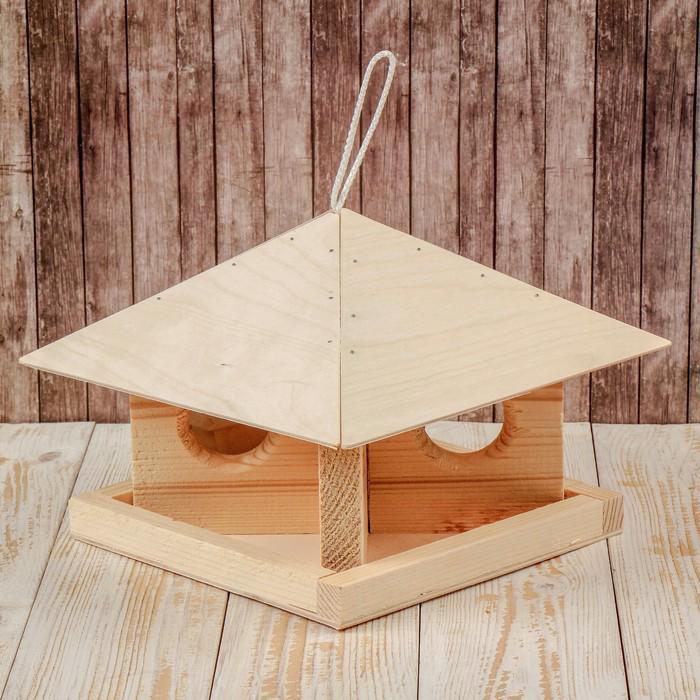 Кормушка для птиц «Шатёр», 24 × 24 × 18 см