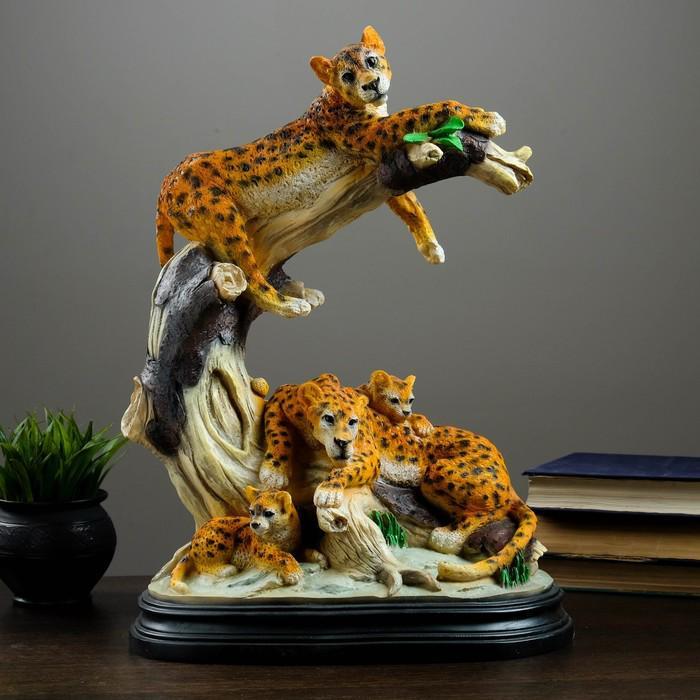 "Фигура ""Семья леопардов"" 50х34 см"