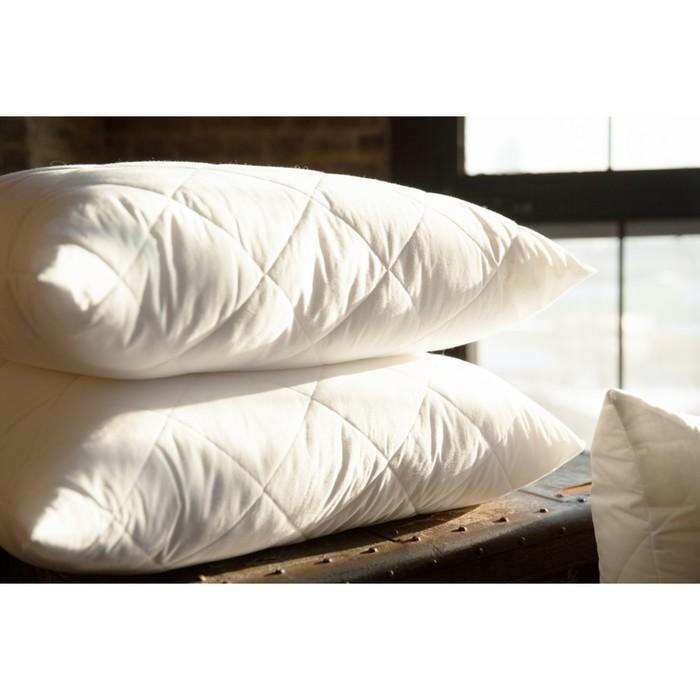 Подушка средняя, размер 50 × 68 см, синтетическое волокно