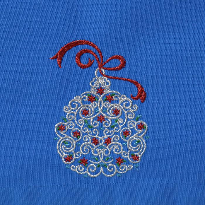 "Дорожка на стол ""Этель"" Новогодний шар. 140х40 цвет синий, с ВМГО хл, 200 гр/м²"