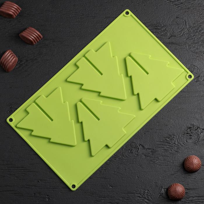 """Форма для льда и шоколада 3D 4 ячейки """"Ёлка"""" 28×18,1×1 см, цвета МИКС"""