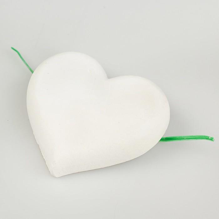 """Минеральный камень """"Перрико"""" для птиц, в виде сердечка, коробка, 12 г"""