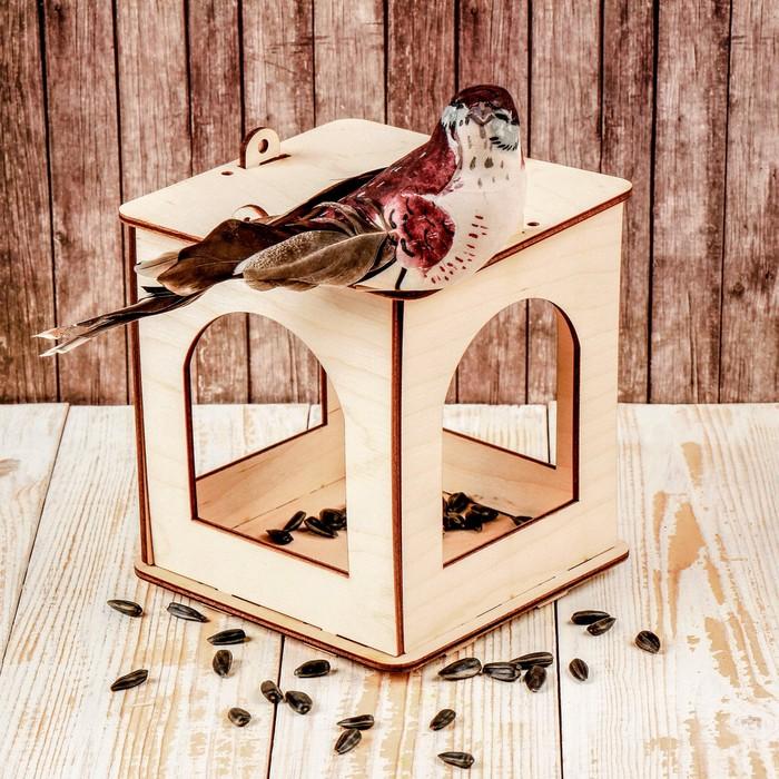 Кормушка для птиц «Фонарик», 13 × 13 × 15,5 см