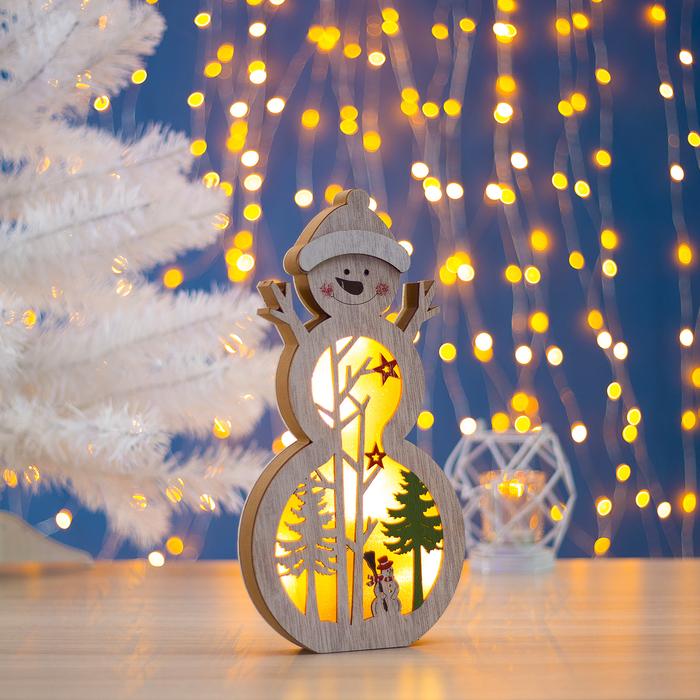 """Фигура деревянная """"Снеговик в шапочке"""", 29х15х2.5 см, 2*AA (не в компл.) 5 LED, белая"""