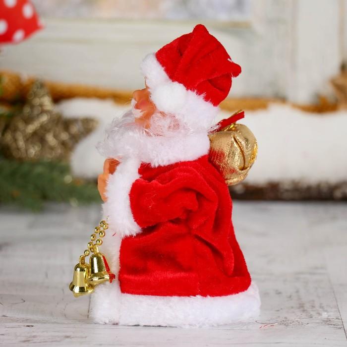 Дед Мороз, в кучерявой шубке, с подсветкой, двигается, без музыки