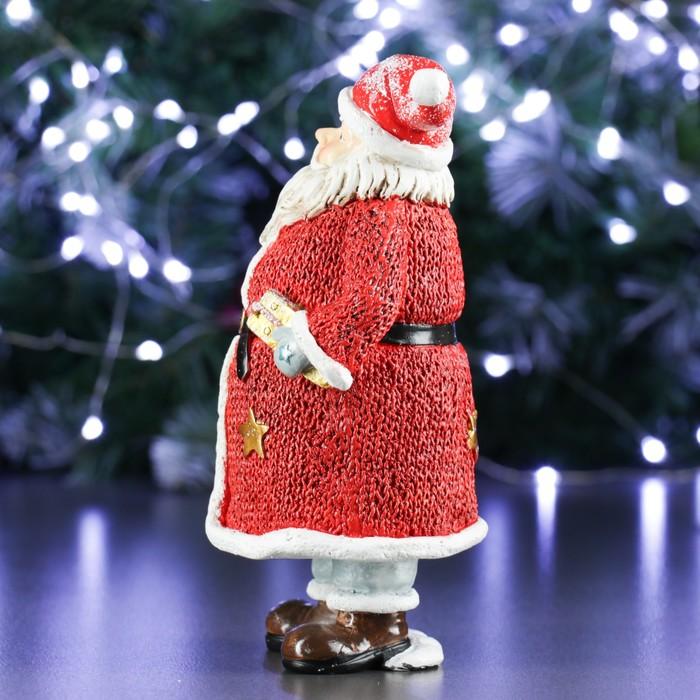 """Фигура """"Дед Мороз с елкой и подарком"""" в красном 11х10х21см"""