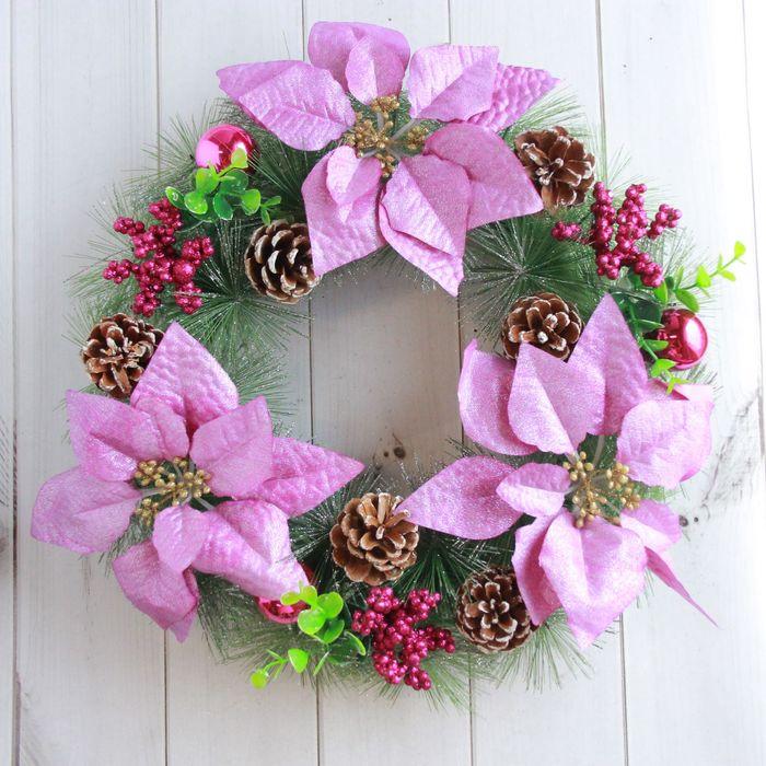 Венок новогодний d-35 см с сиреневыми цветами