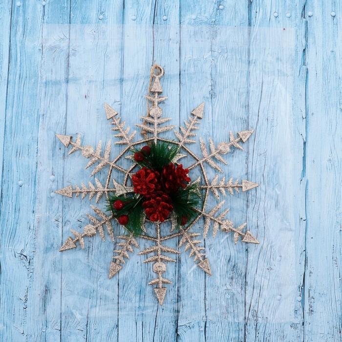 """Подвеска новогодняя """"Снежинка с шишками"""" 20*24,5 см"""