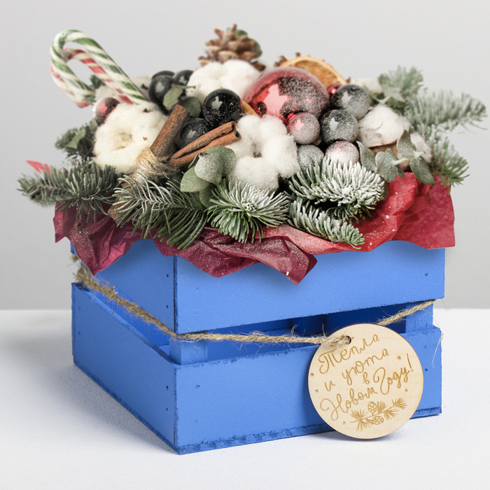 Деревянный ящик реечный «Тепла и уюта в Новом году», 13 × 13 × 9 см, с шильдиком на бечёвке