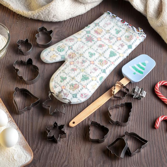 """Набор кондитерских принадлежностей """"Ёлочка"""", 14 предметов: набор форм для печенья 12 шт, прихватка, лопатка"""