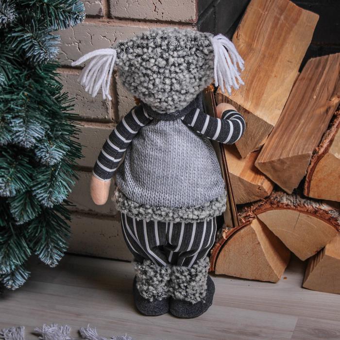 """Кукла интерьерная """"Малыш с лыжами"""" 33 см"""