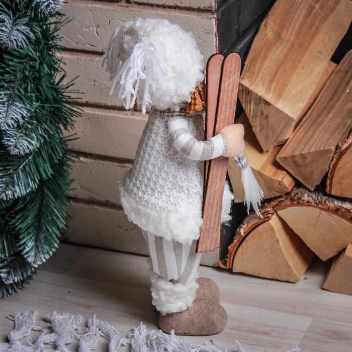 "Кукла интерьерная ""Малышка с лыжами"" 33 см"