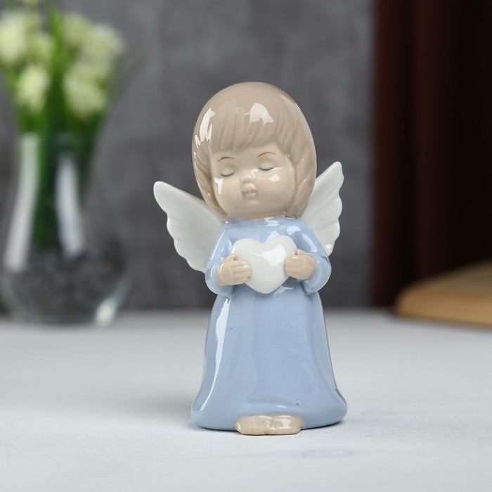 """Сувенир керамика """"Ангел-пухлячок в голубом платье с сердцем в руках"""" 13х5,5х7 см"""