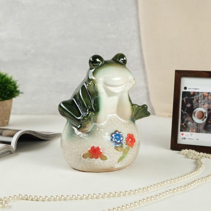 """Сувенир керамика копилка """"Лягушонок на шаре с цветами"""" 21х15х14 см"""