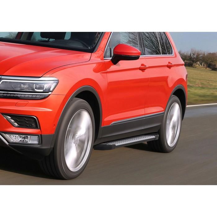 """Пороги алюминиевые """"Bmw-Style круги"""" Rival для Volkswagen Tiguan II 2017-н.в., 173 см, 2 шт., D173AL.5802.4"""