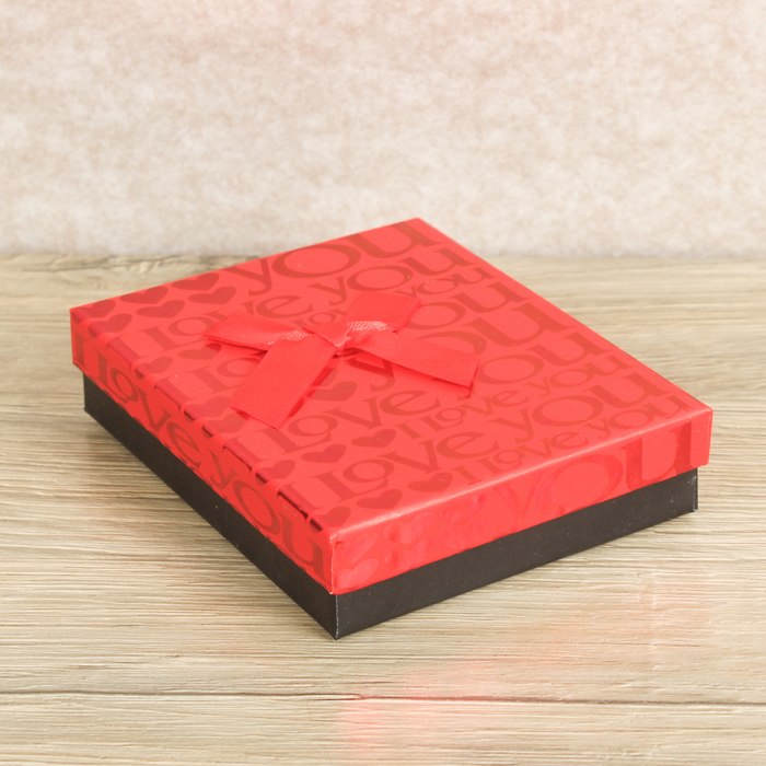 Коробка подарочная 10,5 х 13 х 3 см