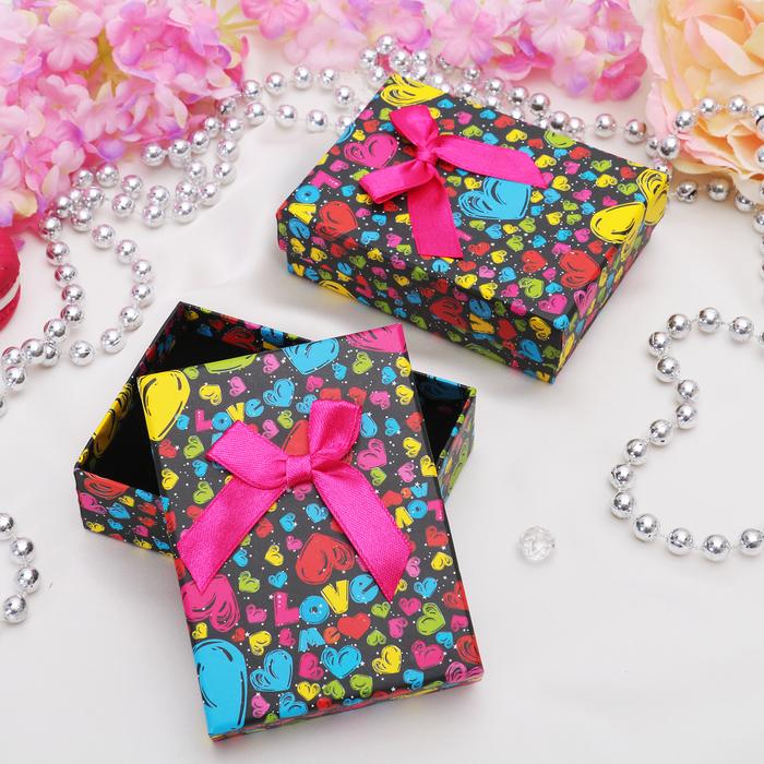 """Коробочка подарочная под кулон/серьги/кольцо """"Микс сердечек"""", 7*9 (размер полезной части 6,5х8,6см), цветная"""