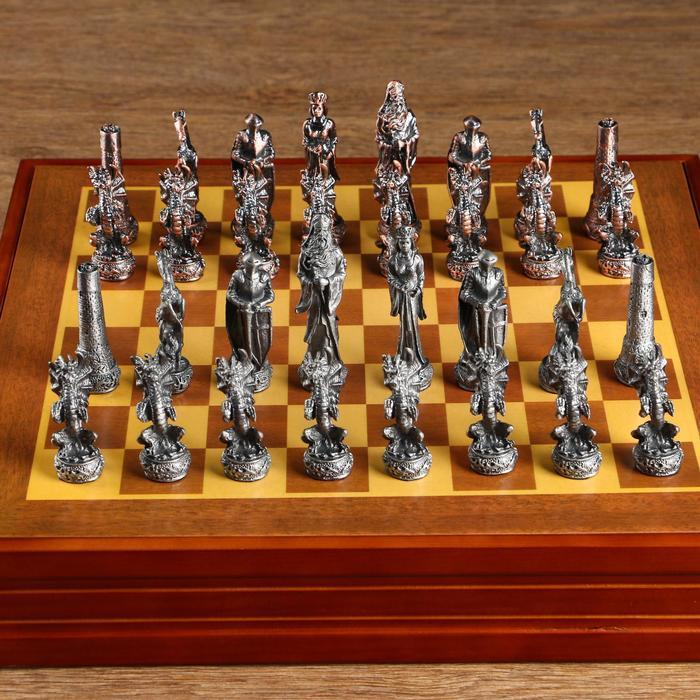 """Шахматы """"Средневековье"""" h короля=8 см, пешки=5.6 см. d=2 см, 36х36 см"""