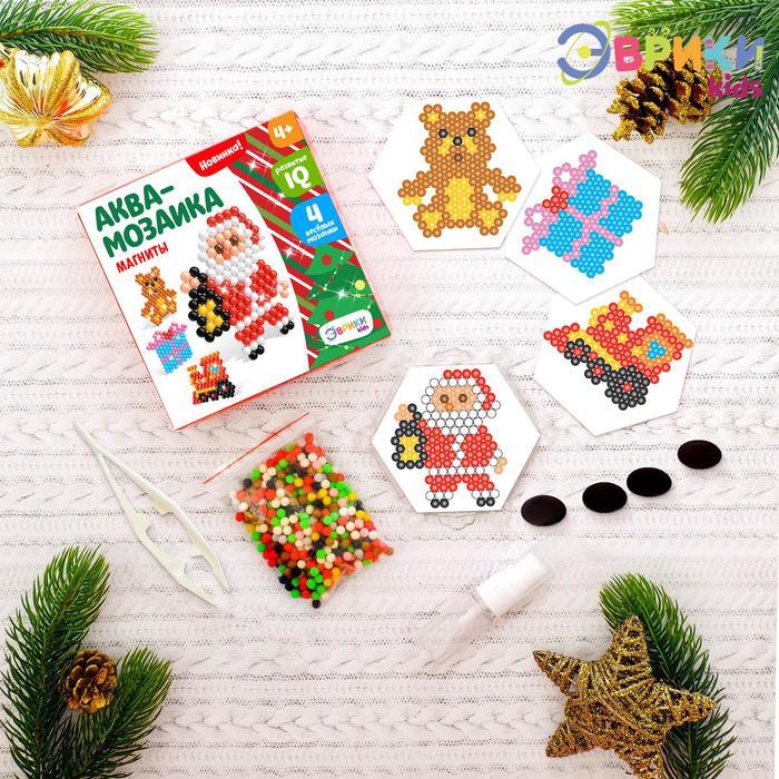 Аквамозаика «Дед мороз и подарки», значки