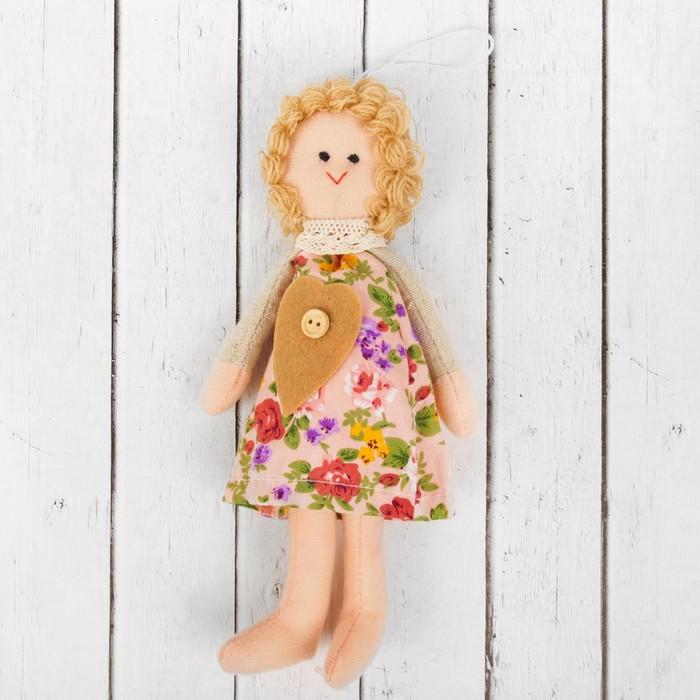 Кукла интерьерная «Василиса», сердце на платье, цвета МИКС