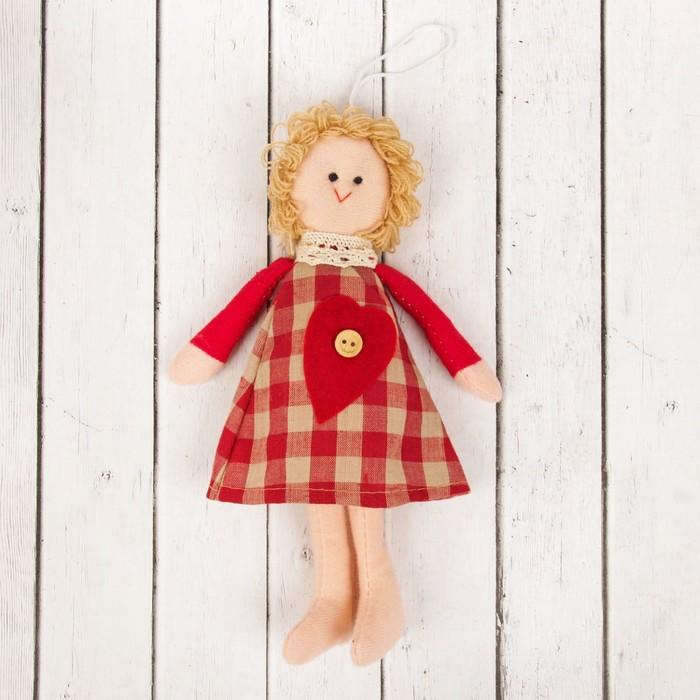 Кукла интерьерная «Василиса», клетчатое платье, с сердцем, цвета МИКС