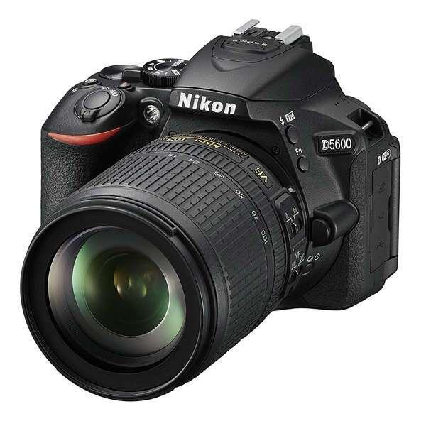 Зеркальная фотокамера Nikon D5600 + 18-105 VR Kit