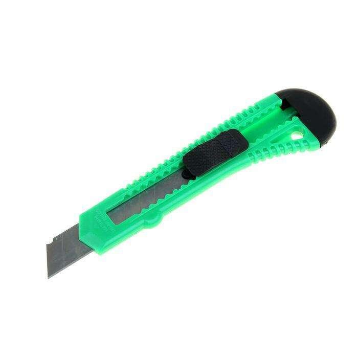 Нож универсальный TUNDRA basic, корпус пластик, квадратный фиксатор, 18 мм