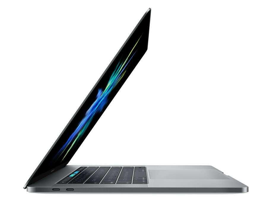 "Ноутбук Apple MacBook 15"" Touch Bar i7 2.8/16/256 Silver (MPTR2)"