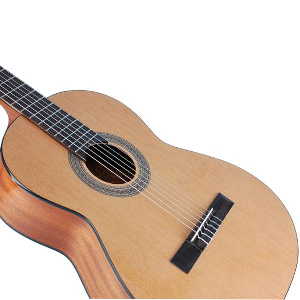 Акустическая гитара Admira ADMI0300