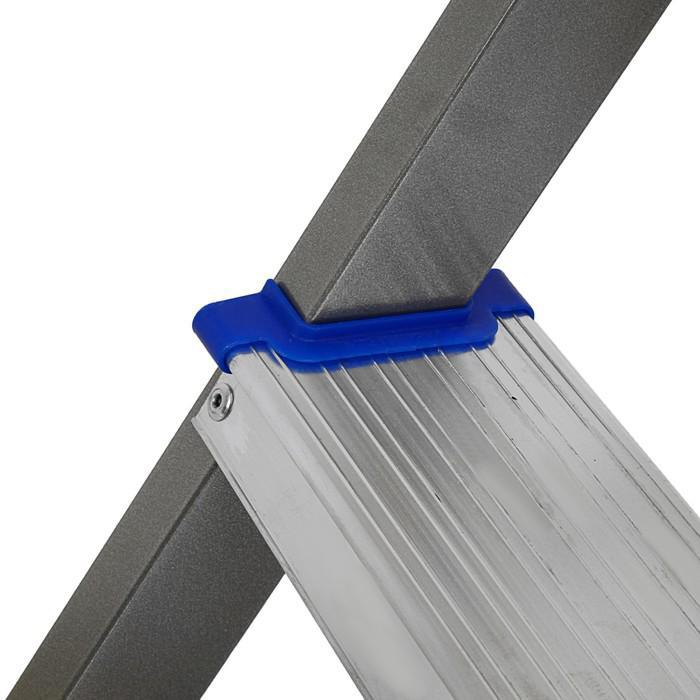 Стремянка  комбинированная Nika СКА3, высота до рабочей площадки 625 мм, 3 ступени