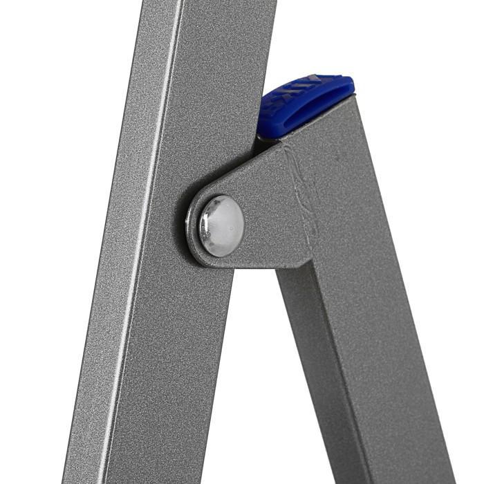 Стремянка Nika СП5, профиль 30х15 мм, 5 ступеней