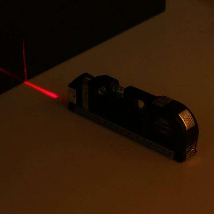 Уровень универсальный TUNDRA Basic, лазерный и пузырьковый, рулетка 250 см, линейка, 4 в 1