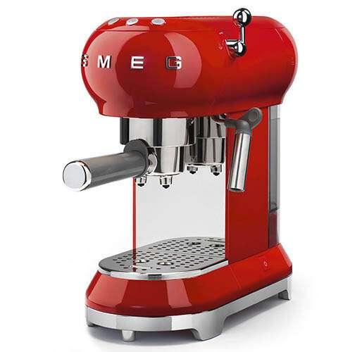 Кофемашина-эспрессо Smeg ECF-01RDEU (Красный)