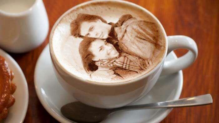 пригодились салфетки, печать фото на кофейной пенке подумала позаботиться