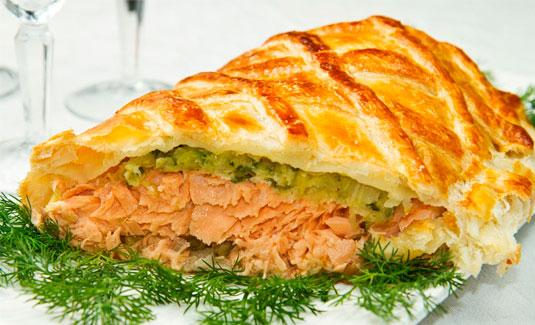 Рецепт запеченного лосося в корочке со шпинатом