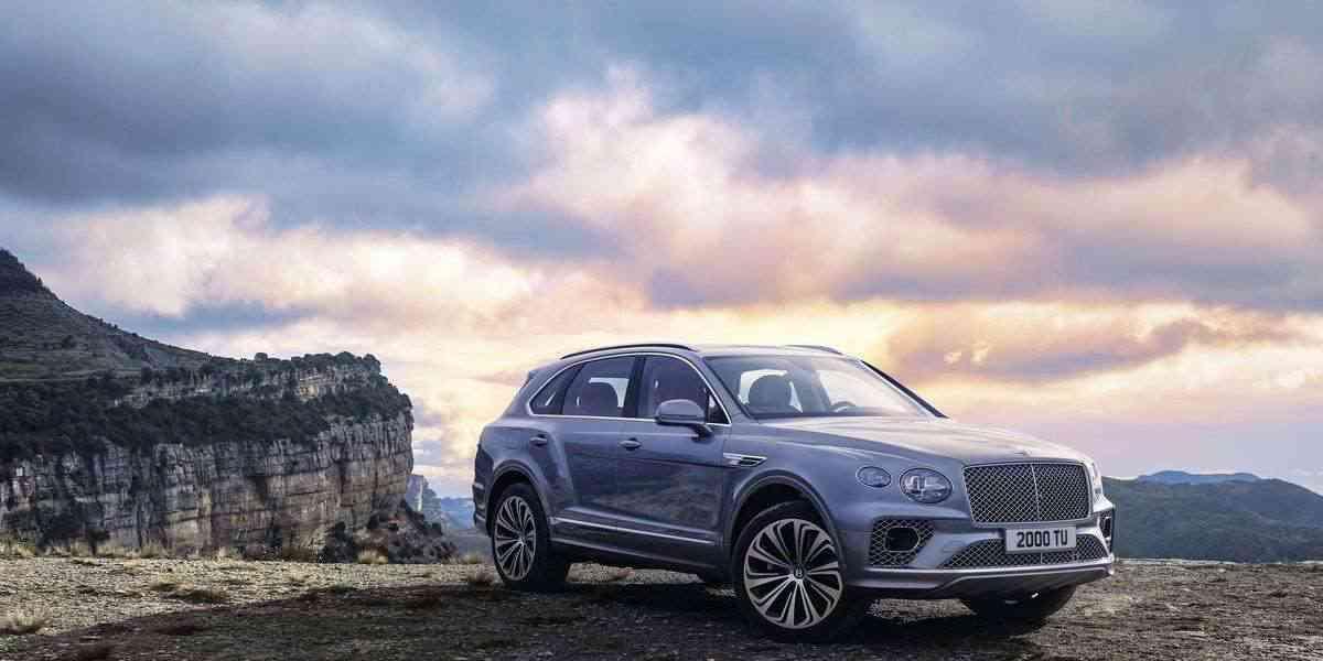 В 2021 Bentley Bentayga ставит на стиль