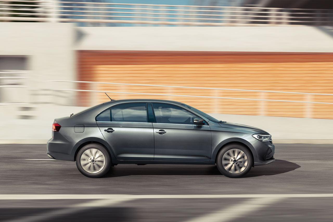 Новый VW Polo увезет и холодильник