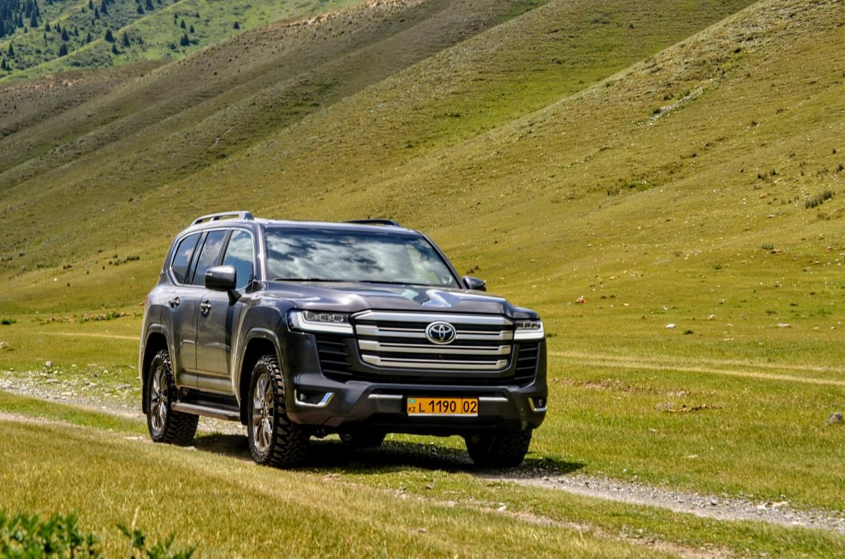 Первый внедорожный тест Toyota Land Cruiser 300: в естественной среде